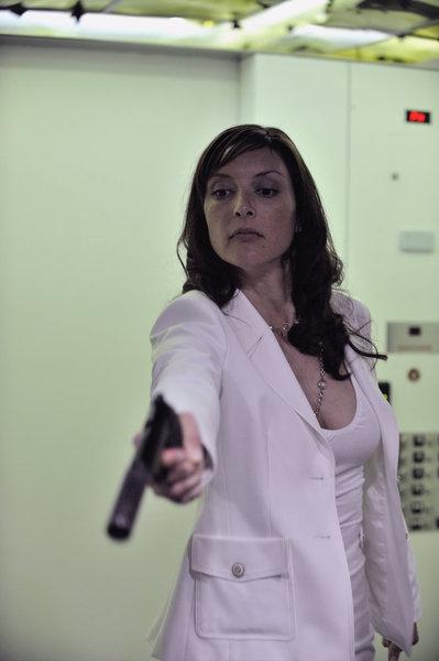Lola Glaudini as Carmel Loan_3
