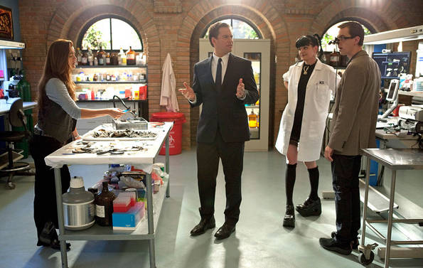 NCIS - 'Tell-All' Preview — Air Date: 3/29/11