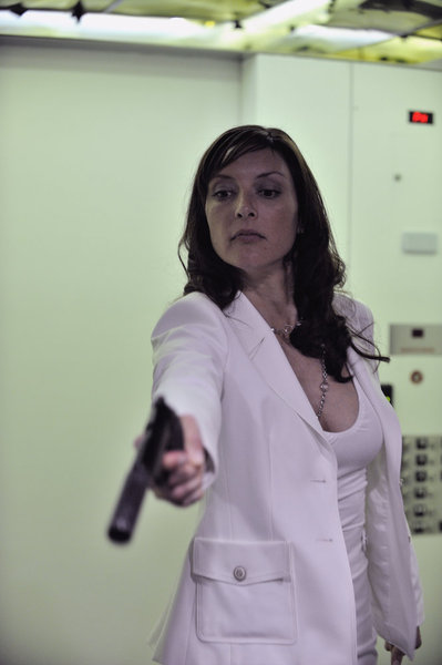 Lola Glaudini as Carmel Loan_3
