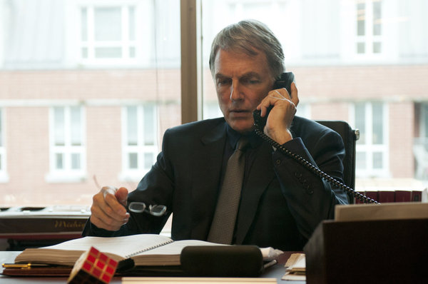 Mark Harmon as Lucas Davenport