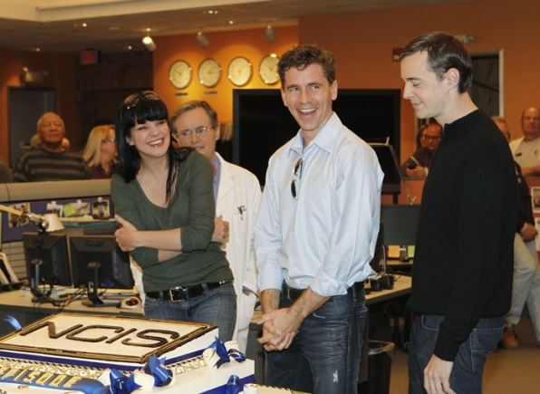 All Smiles — David McCallum, Pauley Perrette, Brian Dietzen and Sean Murray are excited at the prospect of getting to work on the NCIS 200th episode cake.