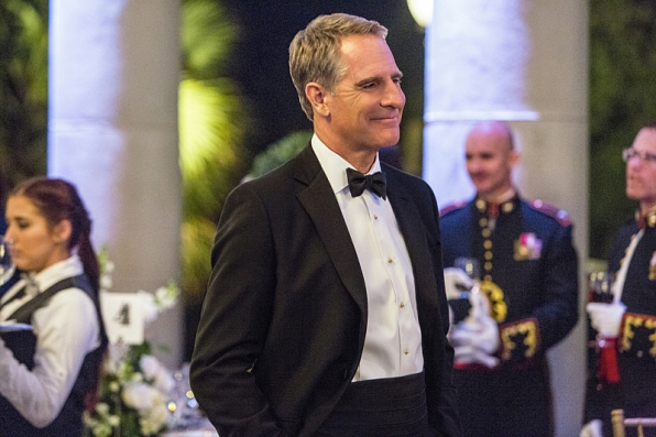 The NCIS team investigates a deadly explosion at the Navy-Marine Corps Relief Gala event they were attending, but further examination reveals Pride was the intended target of the bomb, on NCIS: NEW ORLEANS, Jan 6 (9:00-10:00, ET/PT), on the CBS Television Network. Pictured: Scott Bakula as Special Agent Dwayne Pride Photo: Skip Bolen/CBS ©2014 CBS Broadcasting, Inc. All Rights Reserved