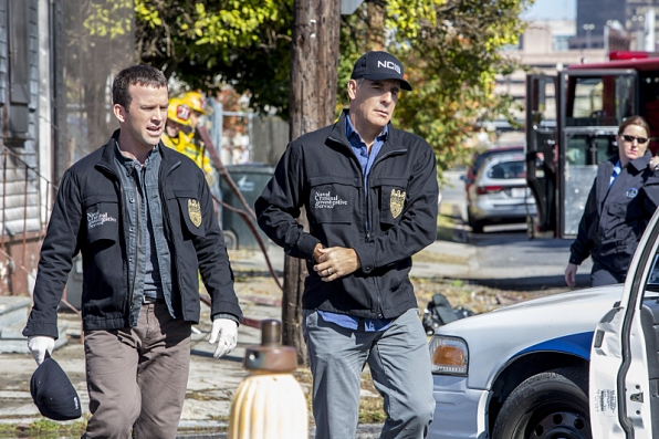 The NCIS team investigates a deadly explosion at the Navy-Marine Corps Relief Gala event they were attending, but further examination reveals Pride was the intended target of the bomb, on NCIS: NEW ORLEANS, Jan 6 (9:00-10:00, ET/PT), on the CBS Television Network. Pictured L-R: Lucas Black as Special Agent Christopher LaSalle and Scott Bakula as Special Agent Dwayne Pride Photo: Skip Bolen/CBS ©2014 CBS Broadcasting, Inc. All Rights Reserved