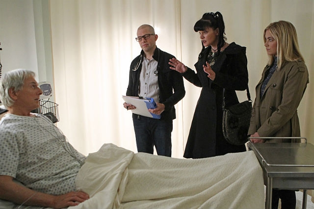 NCIS 13x08  SAVIORS - Preview & Sneak Peek Videos